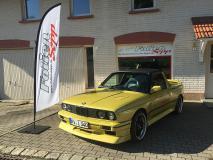 BMW_e30_v8_01.jpg