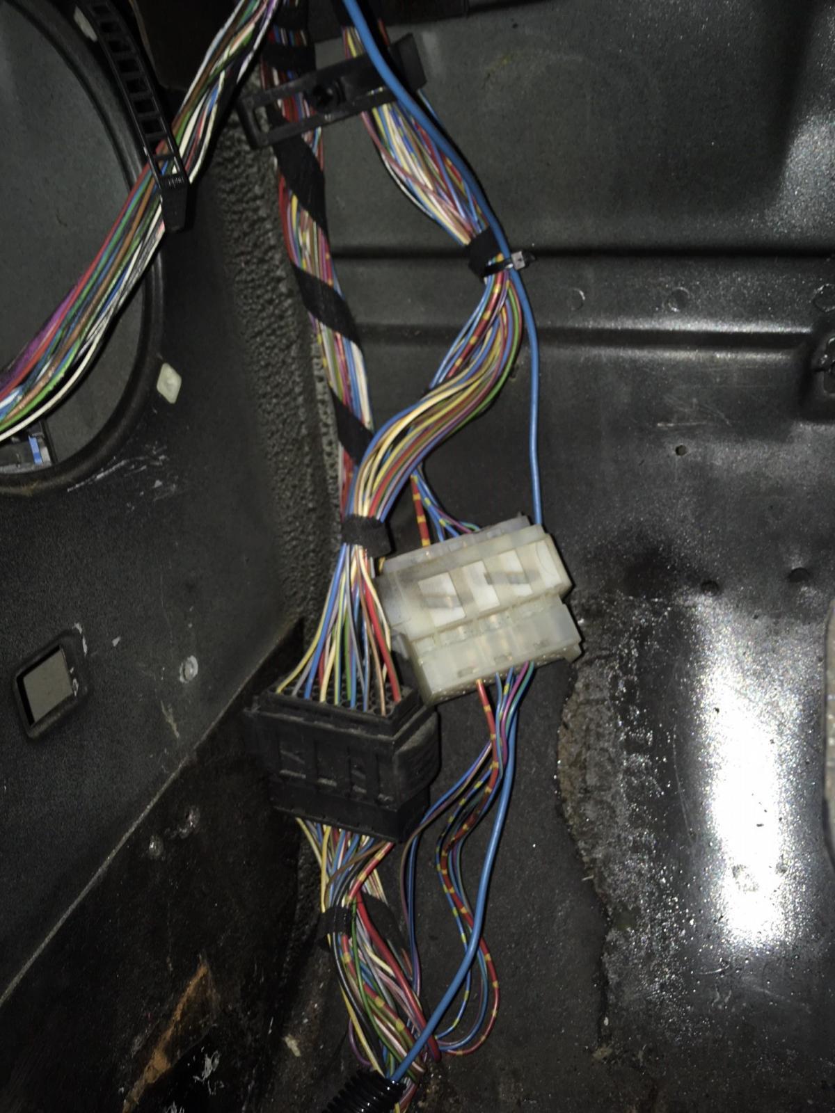 E36 Stecke Fussraum Frage Elektrik E30 Talk Com