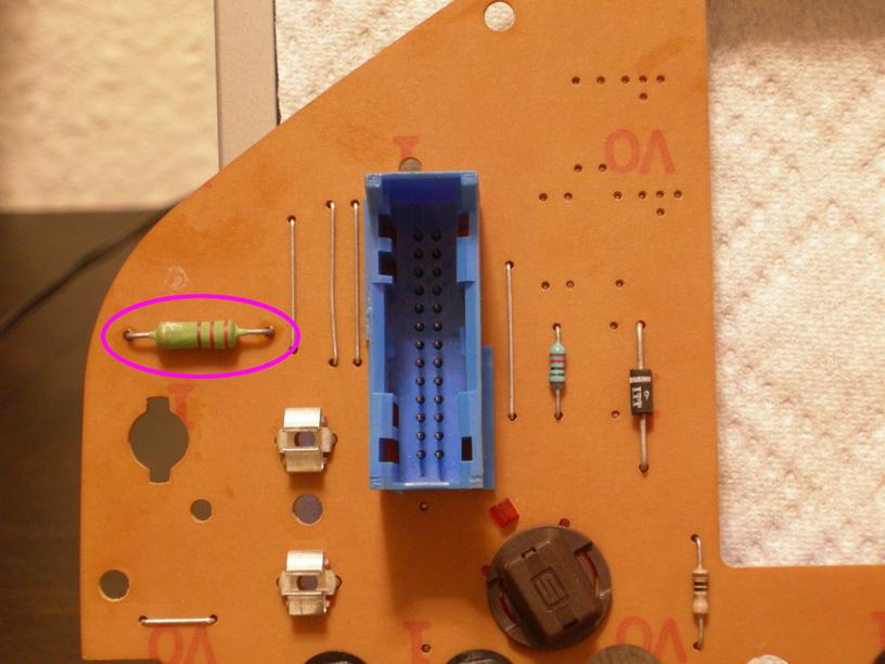 Bremsbelagverschleißanzeige reparieren / Kombiinstrument ausbauen ...