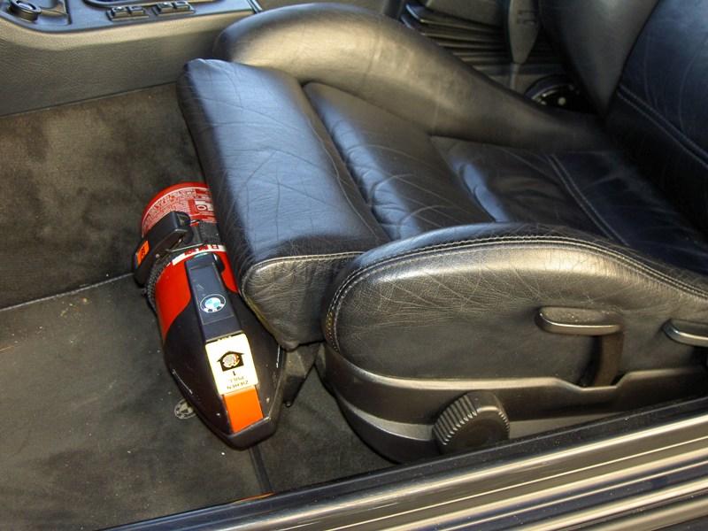 tipp f r nen feuerl scher im auto seite 2 allgemeines. Black Bedroom Furniture Sets. Home Design Ideas