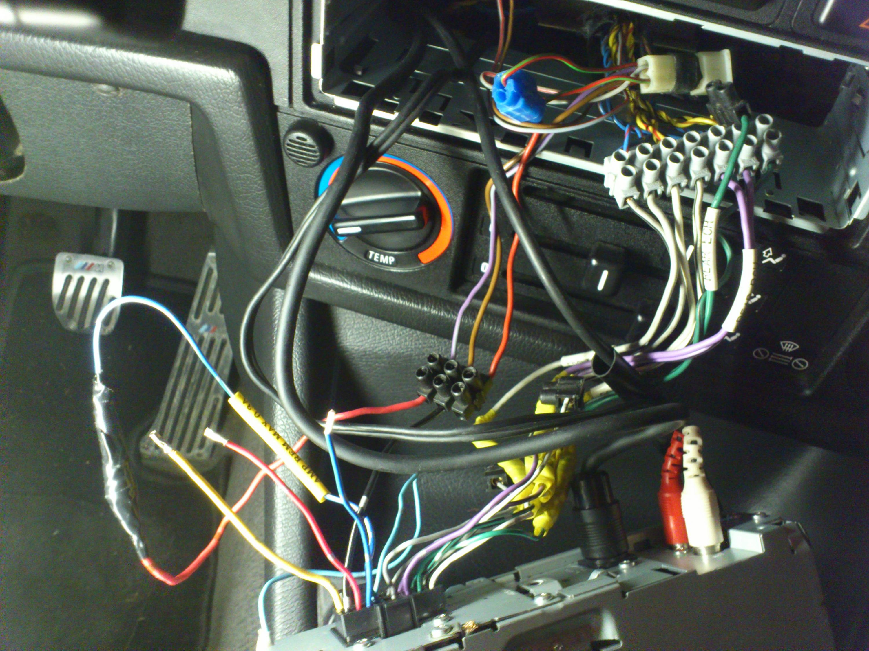 Fantastisch Verkabelung Radio Bilder - Schaltplan Serie Circuit ...
